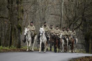 Hagyományõrzõ lovascsapat tart Limanovába